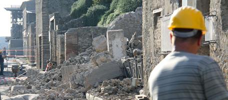 Nessun colpevole per il crollo della Schola Armaturarum negli Scavi di Pompei: i giudici assolvono l'architetta in pensione Paola Rispoli