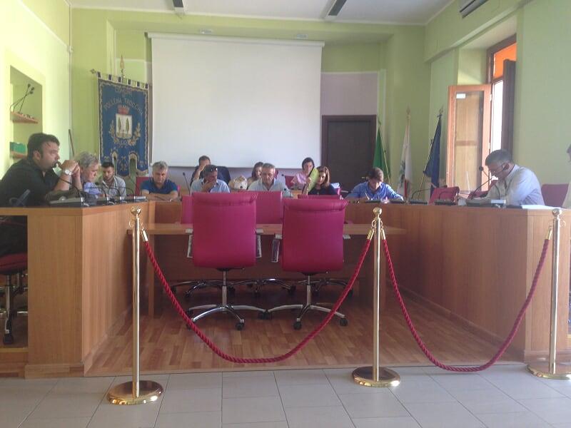 Consiglio infuocato, Francesco Addato denuncia l'assenza di un bilancio sociale. Il Comune di Pollena Trocchia aderisce al Gal Vesuvio