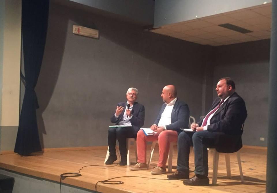 """Verso il Referendum per la riforma costituzionale: Massimo D'Alema sotto il Vesuvio a favore del """"no"""""""