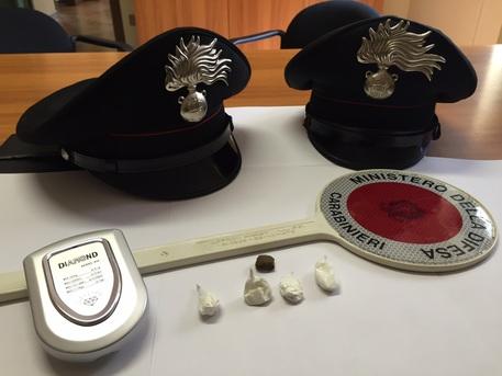 I carabinieri entrano in casa e scoprono la droga: ai domiciliari Donato Boccarusso