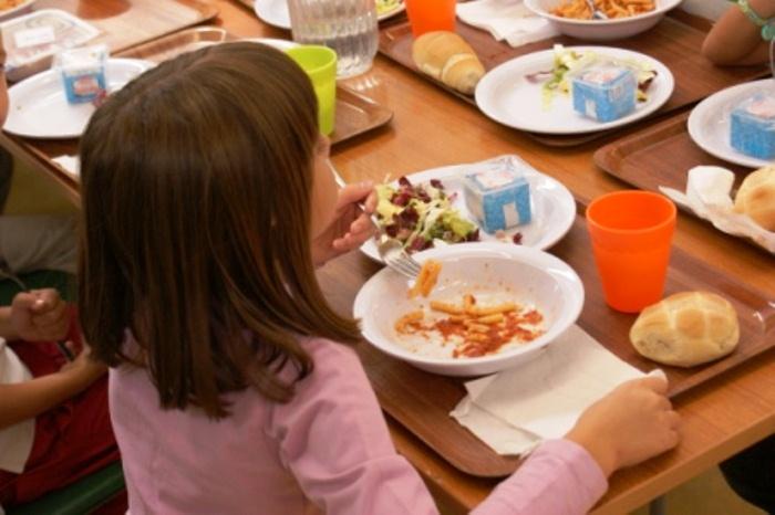 """""""Trovata la soluzione per impedire l'aumento della mensa scolastica a Portici"""". Il Meetup M5S domani incontra il commissario prefettizio Esposito: """"Illustreremo il nostro piano per reperire i fondi per i ticket pasto"""""""