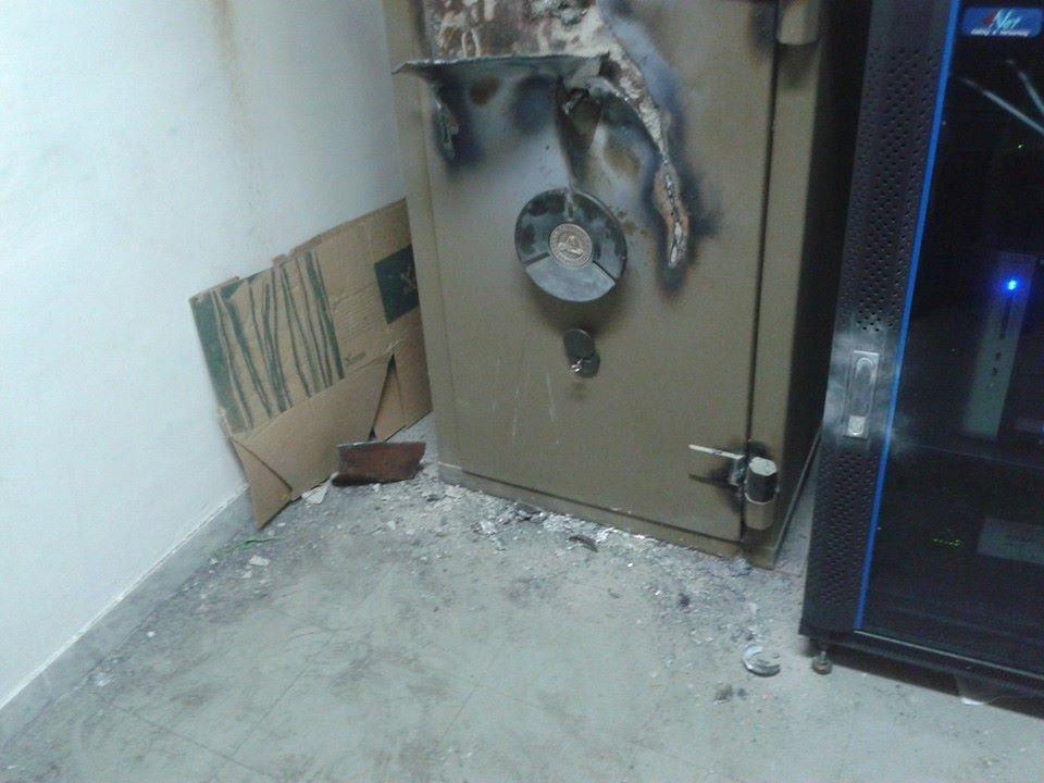 Tentano di aprire una cassaforte con la fiamma ossidrica, in fiamme un appartamento a San Sebastiano al Vesuvio