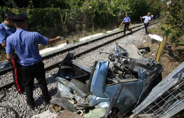 Tragedia sfiorata al passaggio a livello tra Somma Vesuviana e Ottaviano dove nel 2012 morirono due sorelle
