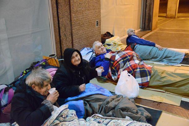 EMERGENZA FREDDO – Il Comune di Napoli  e Anm in campo per i senza fissa dimora: aperte di notte  le stazioni della Metro