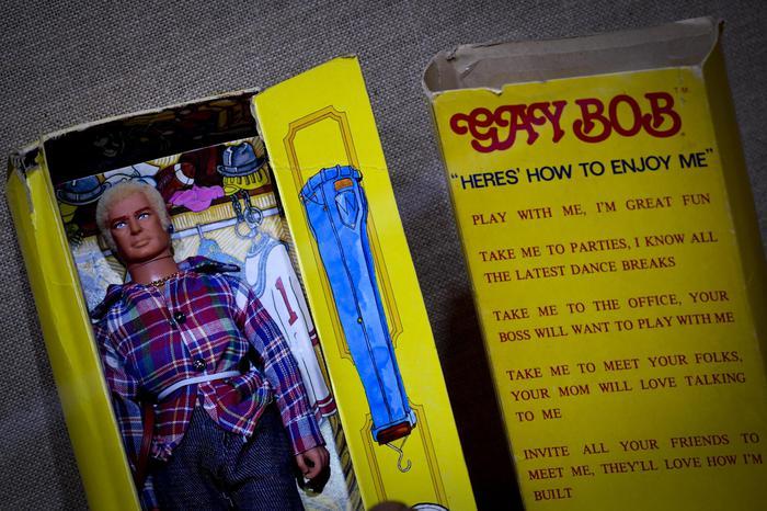 A Napoli giochi in mostra, da Barbie al bambolotto gay: oltre mille pezzi d'epoca, anche su distinzione di genere