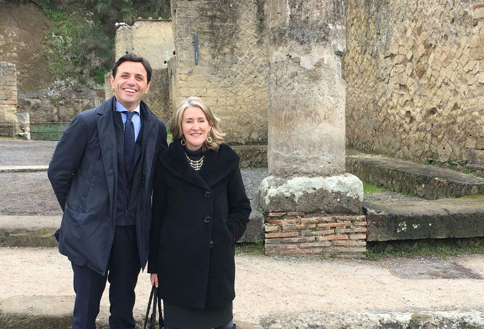 Il Console Generale degli Stati Uniti d'America nel Sud Italia in visita a Ercolano