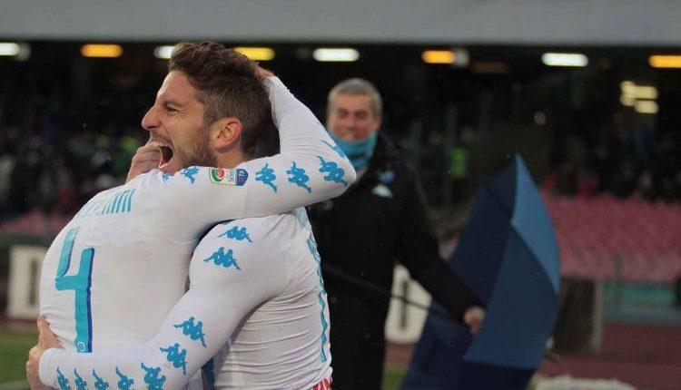 1-1 e il Napoli sogna meno la Juve. Mertens aggiusta una partita nata storta
