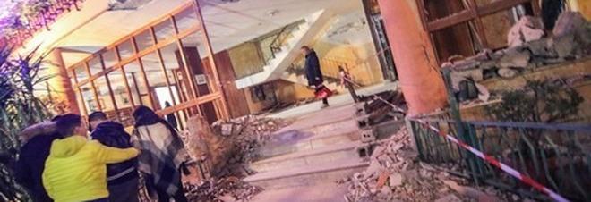"""Bomba sventra palazzo a San Giorgio a Cremano, il sindaco Zinno: """"Rientro delle famiglie a fine pericolo"""""""