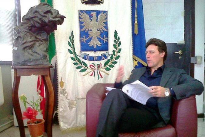 Il senatore Vincenzo Cuomo potrebbe sciogliere la riserva e candidarsi alla guida di Portici. Mauro Mazzone e Fernando Farroni altri possibili candidati a sindaco