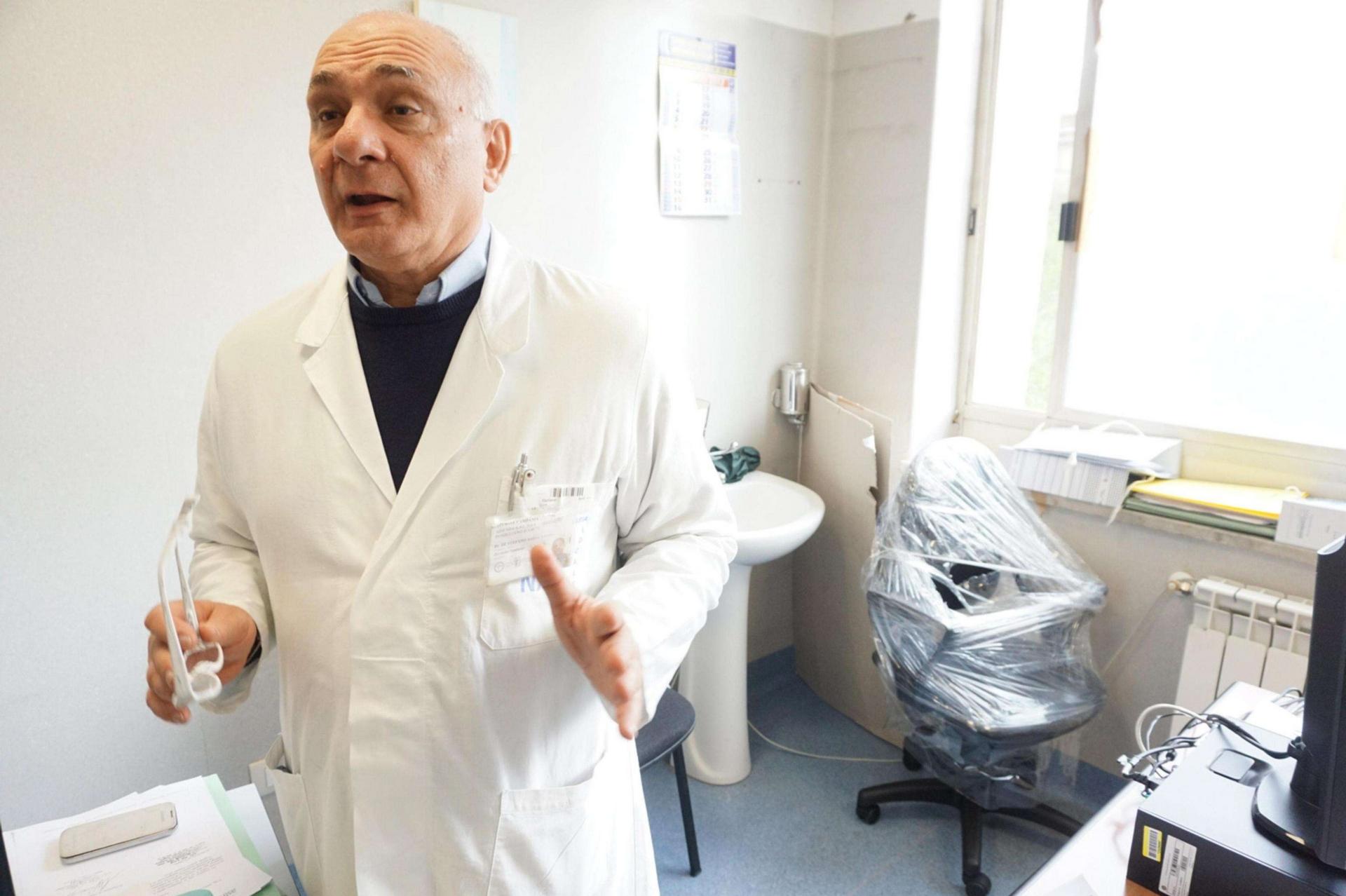 Raid nell'ospedale di Nola, violata la stanza del direttore Andrea De Stefano. Indagano i Carabinieri