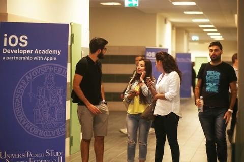 La iOS Developer Academy a Napoli raddoppia le immatricolazioni del primo anno . questa settimana in aula gli altri 100 studenti selezionati
