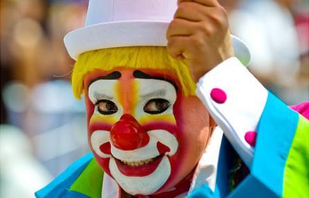 """""""A scuola il Carnevale più pazzo che ci sia"""", a Ottaviano il Comune regala una festa ai bambini"""