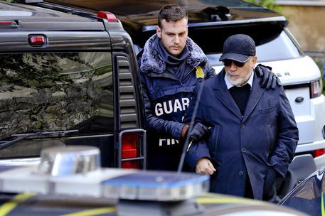 Armi per l'Isis da Napoli alla Libia, il Riesame: restano in carcere i coniugi trafficanti