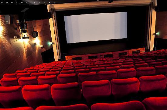 Una scuola di teatro al Teatro De Filippo di Portici a cura del Maestro Piccirillo: un luogo di incontro e confronto e la possibilità di parlare di Arte e Cultura nel Vesuviano.