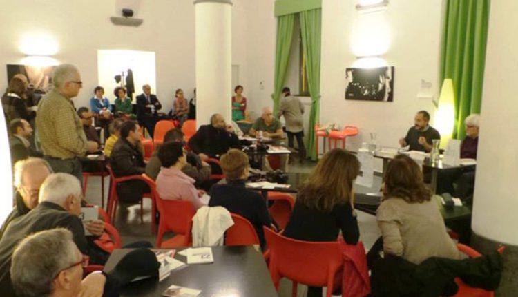 """Il  Portici Science Cafè  presenta la conversazione/incontro  """"Le plastiche del futuro: le bioplastiche"""" con Mario Malinconico del Cnr"""