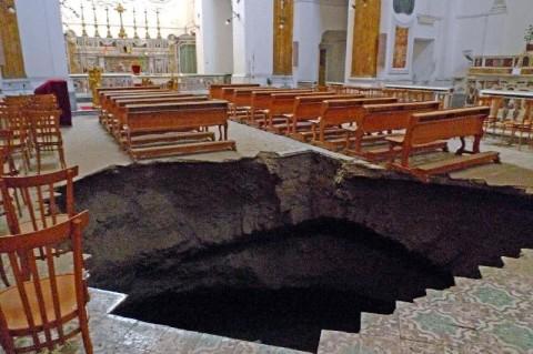 Riapre a Napoli la Chiesa di San Carlo alle Mortelle