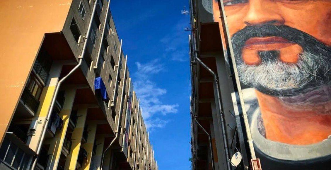 """(VIDEO e FOTOGALLERY) Si scrive """"D10s"""" si legge """"Bellezza"""". Cosa pensano i residenti del murales di Jorit dedicato a Diego Armando Maradona"""