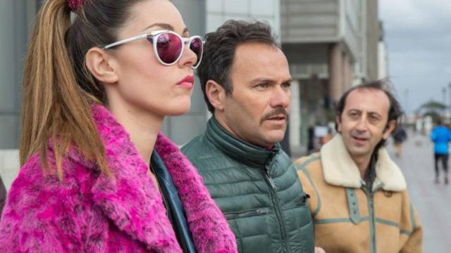 """Esordio boom per """"Vieni a vivere a Napoli"""": seconda media copia dopo La Bella e la Bestia"""