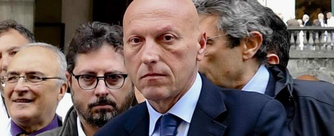 """Forniture all'Istituto dei tumori di Napoli, 7 arresti:""""Da un informatore scientifico 10mila euro al primario per raddoppiare ordini"""""""