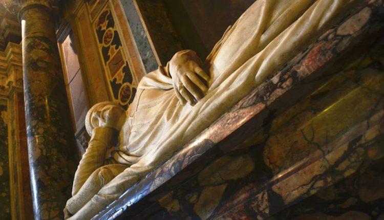 Nella Basilica dello Spirito Santo, alla scoperta della Napoli Romana con la Professoressa Storchisecondo seminario sulla storia della città