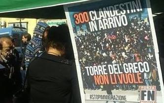 WEEKEND DI MANIFESTAZIONI A Torre del Greco fascisti e antifascisti in piazza per l'arrivo degli immigrati