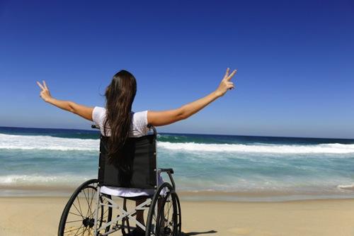 Regione Campania: Turismo accessibile da parte dei cittadini e turisti disabili – Flora Beneduce (FI) e Tommaso Casillo (Campania Libera) presentano una mozione per abbattere le barriere architettoniche negli stabilimenti balneari.