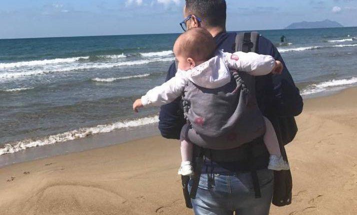 """Al via la Settimana Europea del Portare:tutti pazzi per il babywearing, anche a Ercolano incontro di genitori """"canguro"""" a Villa Favorita"""
