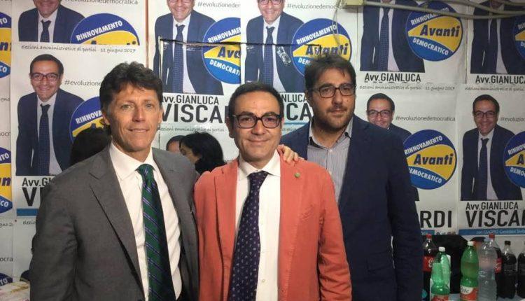 Portici verso il voto. Viscardi inaugura la sede elettorale con Cuomo e Farroni