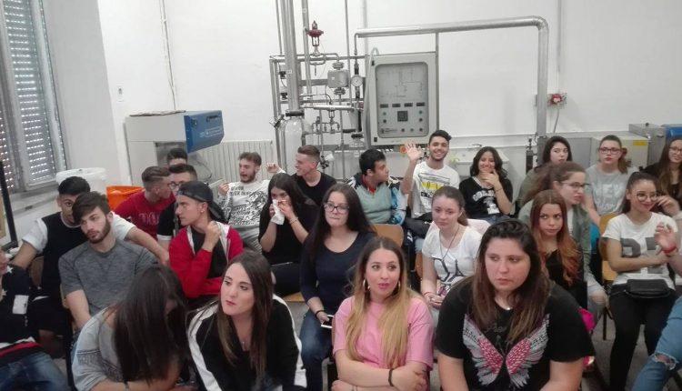 La birra: curiosità e storia del prodotto con gli studenti dell'Istituto Tognazzi De Cillis di Pollena Trocchia