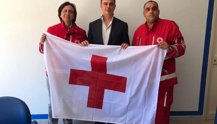 La bandiera della Croce Rossa sventolerà accanto a quella europea e comunale al Municipio di Pollena Trocchia