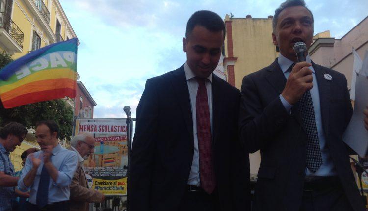 """(Video) Portici verso il voto – """"Non aprire quella porta ai restanti 600 candidati"""". Tuona, a Piazza San Ciro, il vicepresidente della Camera, Luigi Di Maio"""