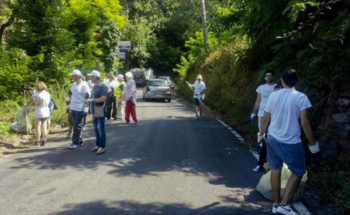Riprendiamoci il Vesuvio: studenti, cambini e volontari in campo per ripulire il Vulcano