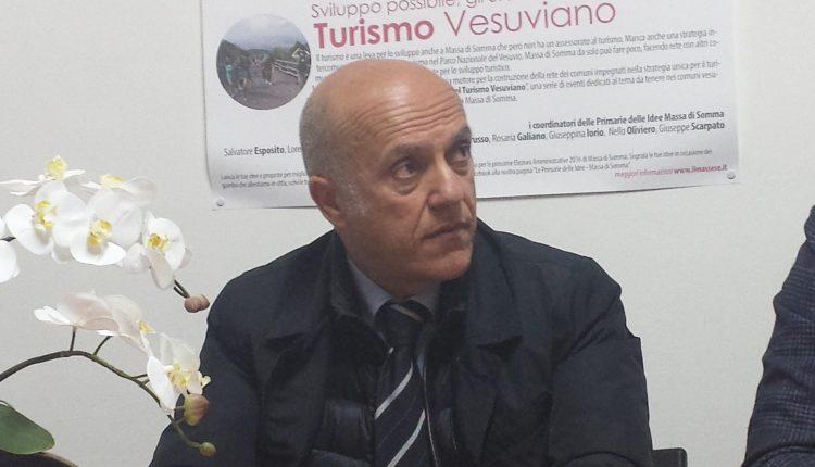 """A Volla Area Comune contro le strisce blu, Luciano Manfellotti: """"La sosta a pagamento mortifica il commercio e penalizza i cittadini"""""""