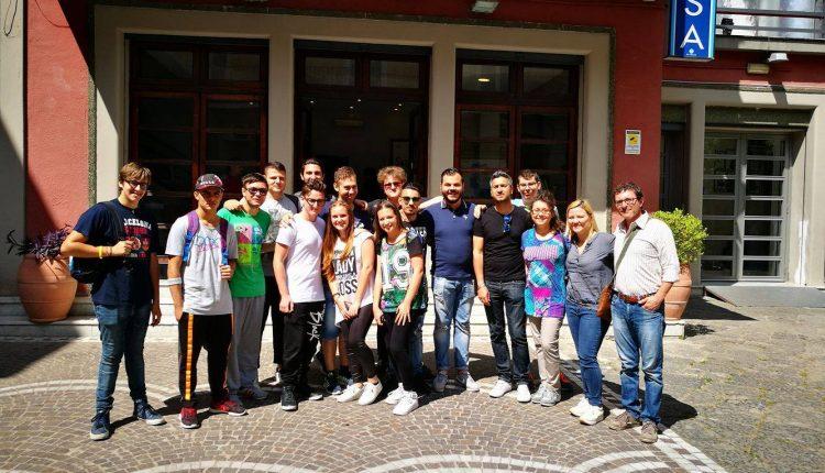 """A SKENE, gli alunni dell'ITI """"MEDI"""" di San Giorgio a Cremano vincono  il premio come """"Miglior Coreografia"""