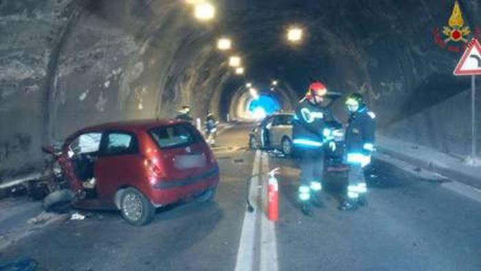 Incidente mortale sulla Salerno-Reggio Calabria: Pomigliano d'Arco piange Raffaele La Rocca e il figlio secondogenito Luigi di appena 8 anni