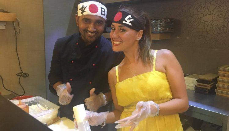 """Sushi Cooking Show: all'Arosushi di San Giorgio a Cremano spopola la """"prova in cucina"""""""