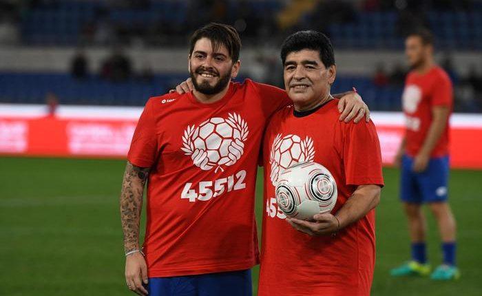 CALCIO SENZA BARRIERE – Diego Armando Maradona jr firma con con l'Afro Napoli United