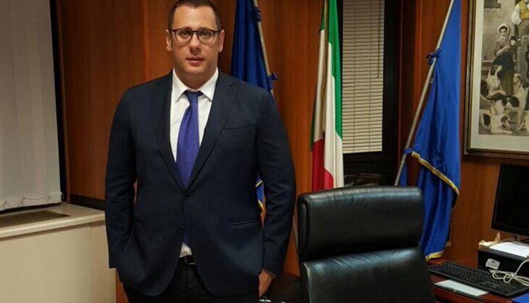 """""""Prorogare al 30 settembrei termini per le borse di studio: la richiesta in Consiglio Regionale di Armando Cesaro (Pdl)"""