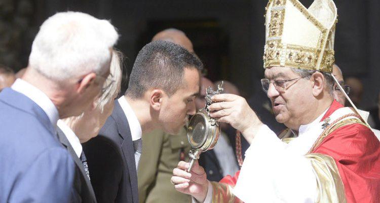 """Il matematico Piergiorgio Odifreddi, veleni sul miracolo di San Gennaro: """"Altro che sangue, nella teca solo ketchup"""""""
