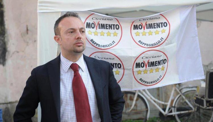 """""""IL SINDACO SENATORE"""" A Portici il senatore 5 STelle Puglia tuona contro il sindaco Enzo Cuomo"""