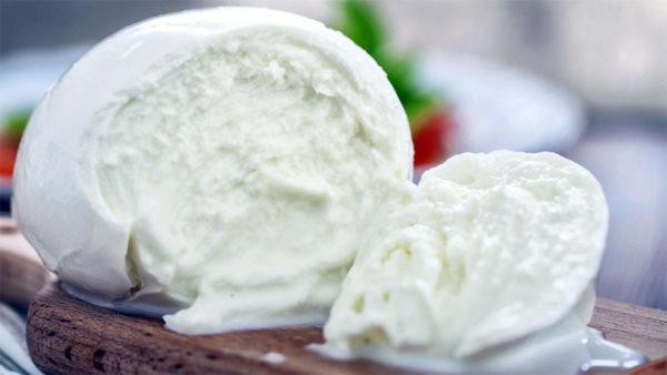 Bufala Fest al Lungomare Caracciolo dal 15 al 19 settembre: tutte le declinazioni del bianco