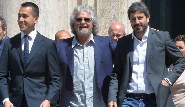 """M5s, Grillo: """"Sarò papà di tutti. Fico? E' un romantico"""". A Rimini si attende il lancio di Luigi Di Maio a leader """"ufficiale"""""""
