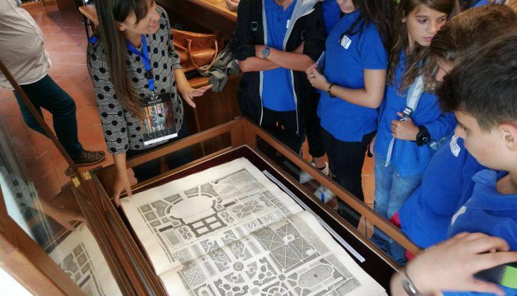Alunni a spasso nella storiacon i libri del '700: a San Giorgio a Cremano sinergia tra amministrazione, scuola e Baroque Park