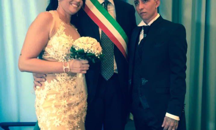 """Portici – Vince l'Amore di Michela e Mariarca unitesi con rito civile a Portici. il vicesindaco Farroni: """"E' l'amore che crea una famiglia"""""""