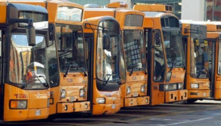 Dal 20 dicembre ticket a bordo bus Anm, per acquistarli serve 'importo preciso'