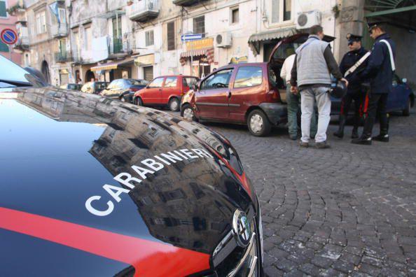 I carabinieri di Volla arrestano 3 persone: danneggiano la scuola perché avevano rimproverato il figlio