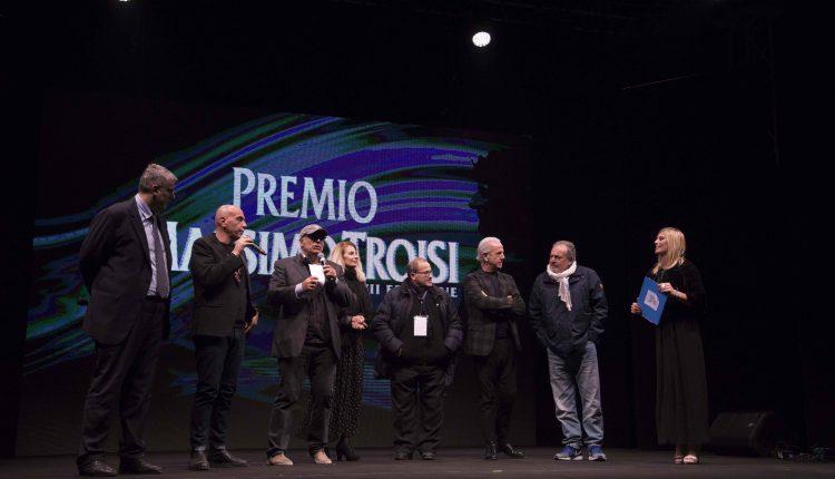 Premio Massimo Troisi, il Movimento 5 Stelle promuove il cambio di regolamento delle sponsorizzazioni