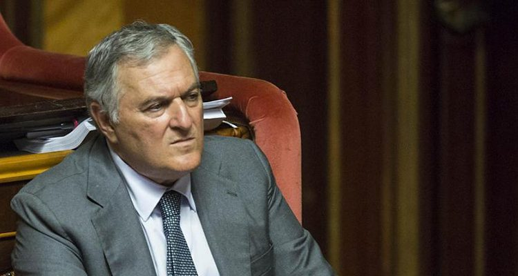 """Vincenzo D'Anna si schiera: Sì al Rosatellum. """"Sarà la politica dei pannicelli caldi"""""""