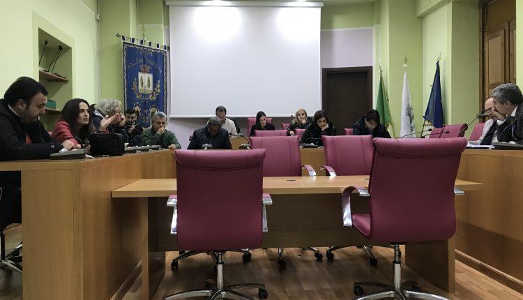 Consiglio Comunale a Pollena Trocchia: al voto, tra le polemiche, la variazione di bilancio. Campajola è il nuovo assessore