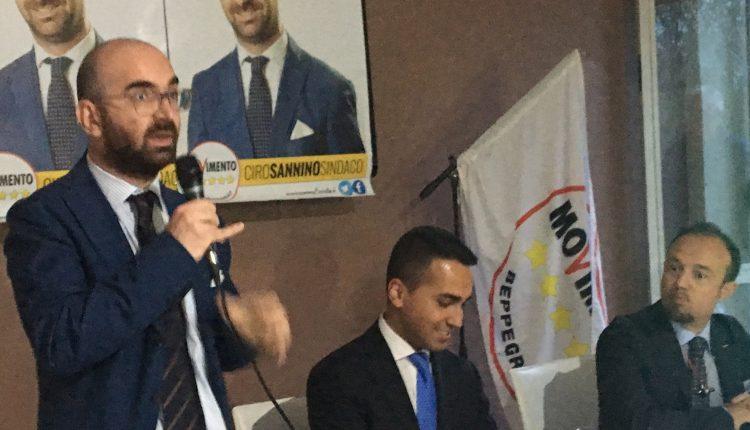 Sospensione dirigente comunale da parte del sindaco Salvatore Di Sarno, il Meet Up Amici di Beppe Grillo Somma Vesuviana esprime le sue perplessitàa mezzo stampa